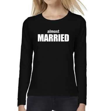 Almost married vrijgezellen feest tekst long sleeve zwa t-shirt kopen