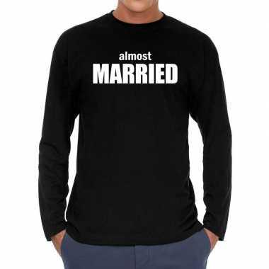 Almost married vrijgezellen long sleeve zwart heren t-shirt kopen