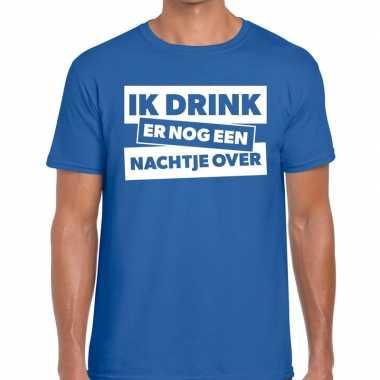 Ik drink er nog een nachtje over tekst blauw heren t-shirt kopen