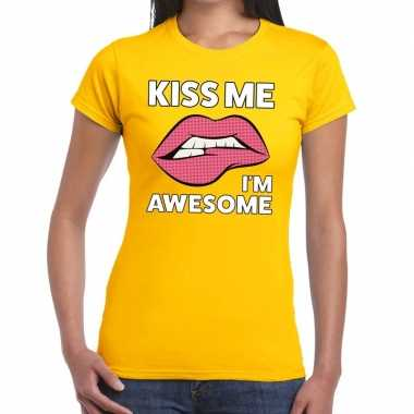 Kiss me i am awesome geel dames t-shirt kopen