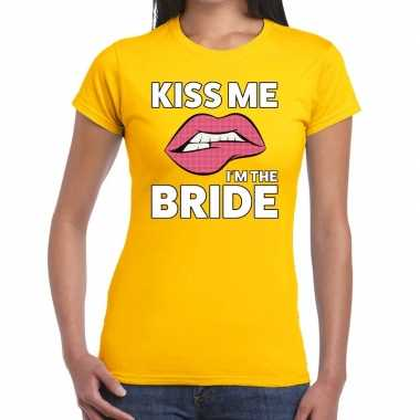 Kiss me i am the bride geel dames t-shirt kopen