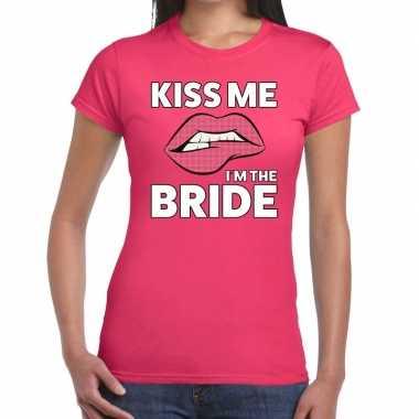 Kiss me i am the bride roze dames t-shirt kopen