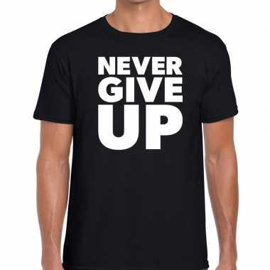 Never give up tekst zwart heren t-shirt kopen