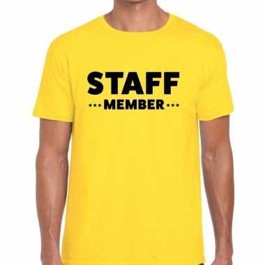 Staff member / personeel tekst geel heren t-shirt kopen