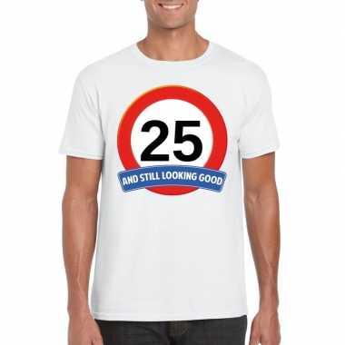 Verkeersbord jaar wit volwassenen t-shirt