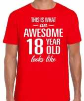Awesome year jaar cadeau rood heren t-shirt