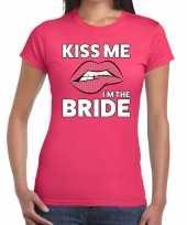 Kiss me i am the bride roze dames t-shirt