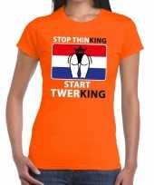 Oranje stop thinking start twerking dames t shirt